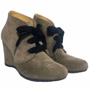 ANTHROPOLOGIE BUSSOLA Enna Taupe Suede Ankle Boots
